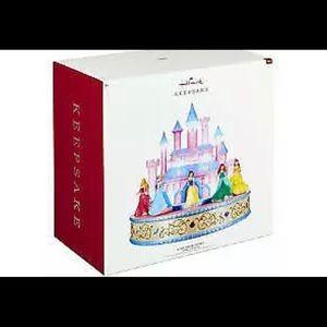 NIB-2019 Hallmark Disney Princess table top